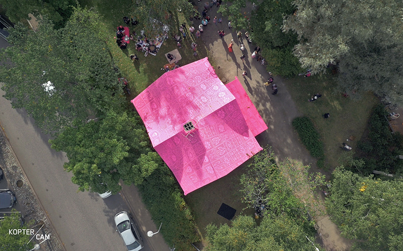 olek-pink-house-crochet-designboom-12.jpg