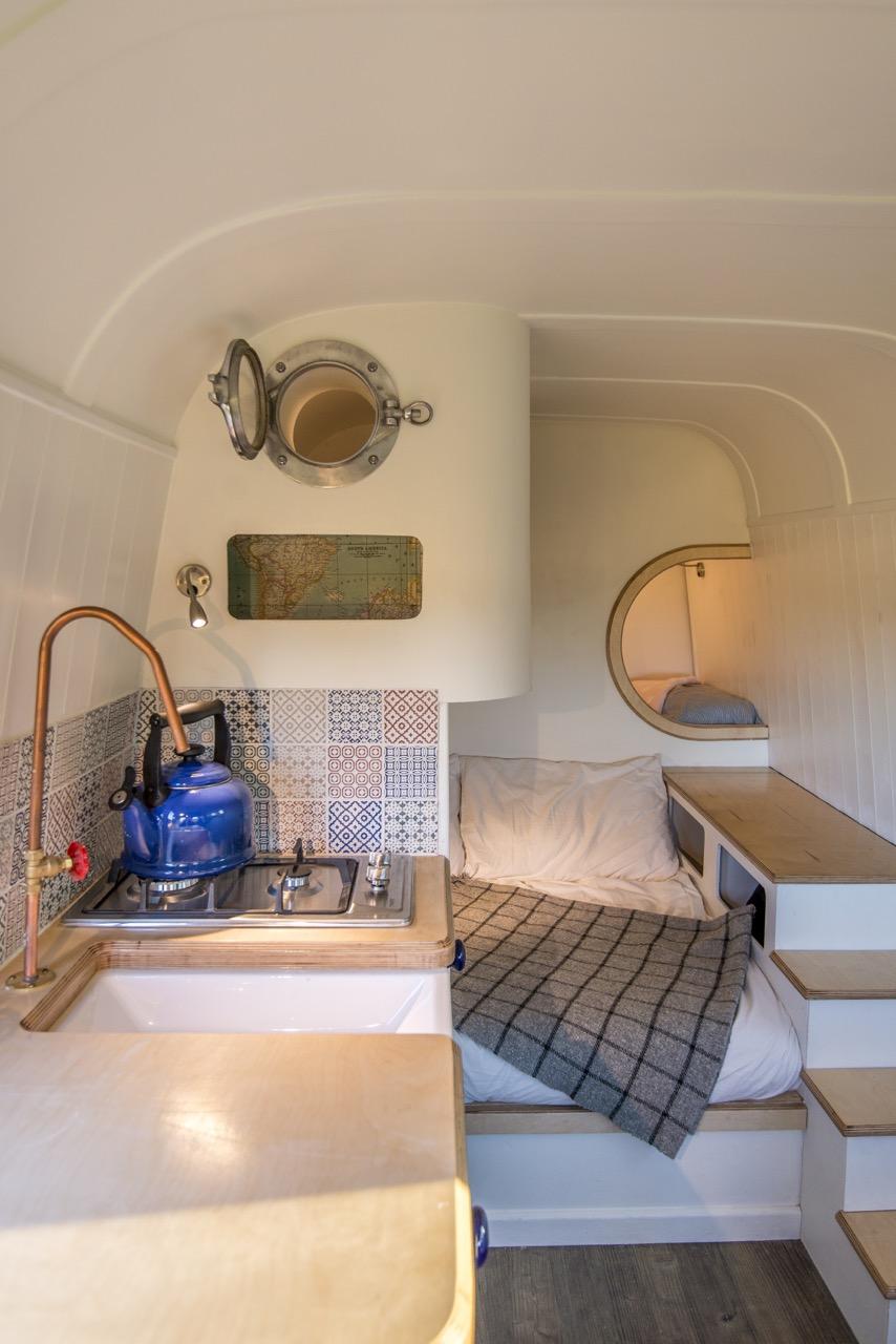 camper32.jpg
