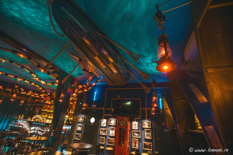 bar-interior-design-the-abyss-italy-kraken-steampunk-bistro-3-e1483570108185.jpg