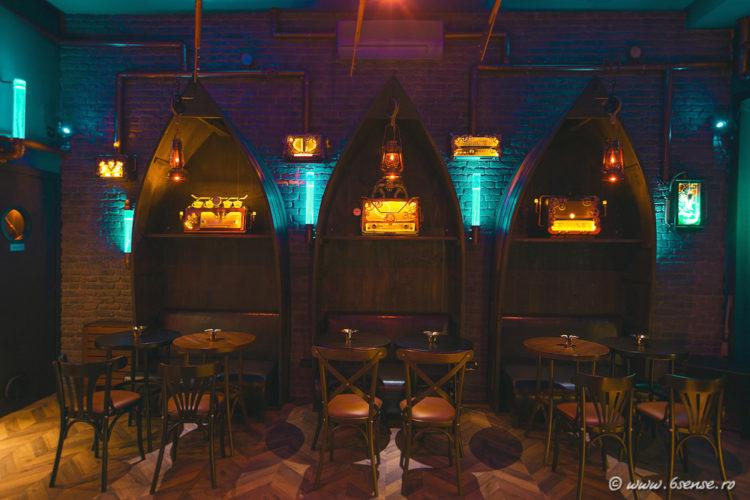 bar-interior-design-the-abyss-italy-kraken-steampunk-bistro-4-e1483570100693.jpg