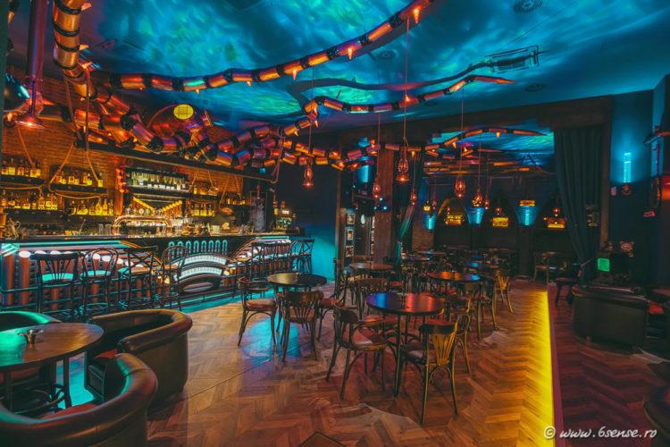 bar-interior-design-the-abyss-italy-kraken-steampunk-bistro-5-e1483570090408.jpg