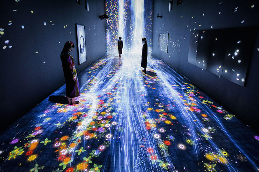 immersive-interactive-installation-in-an-art-gallery-in-london-0.jpg