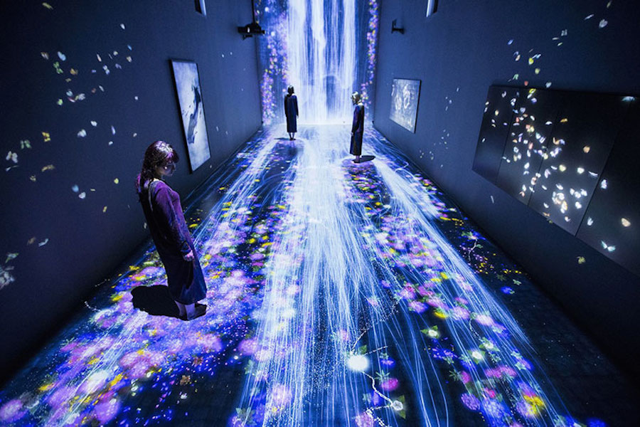 immersive-interactive-installation-in-an-art-gallery-in-london-3.jpg