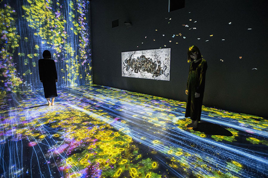immersive-interactive-installation-in-an-art-gallery-in-london-4.jpg