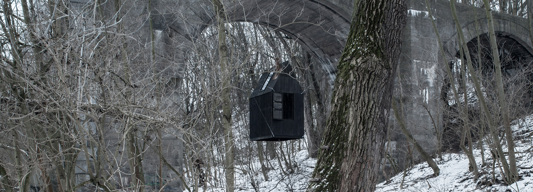 h3t-architekti-flying-black-house-designboom-1800.jpg