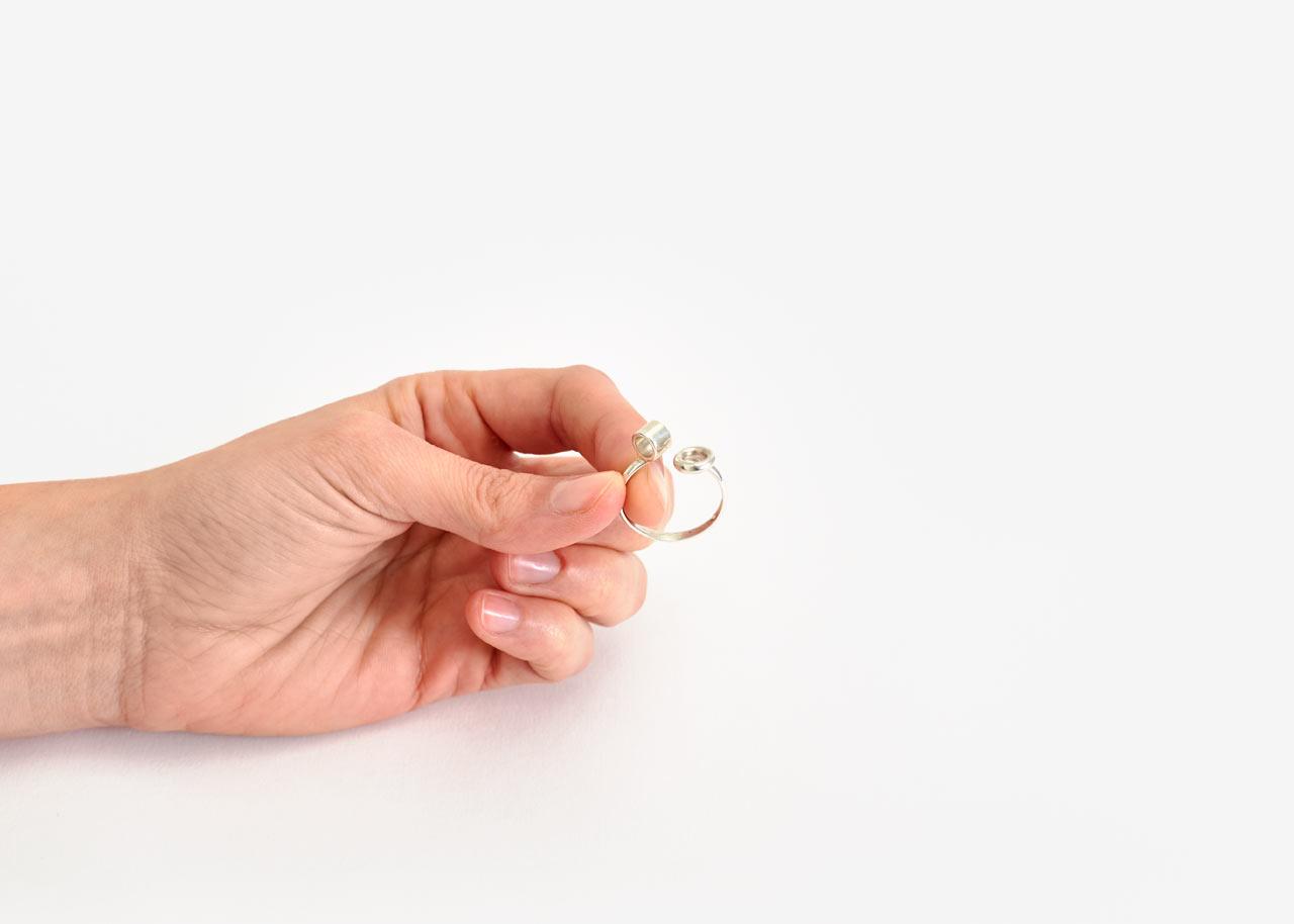 ikebana-ring-areaware-gahee-kang-2.jpg