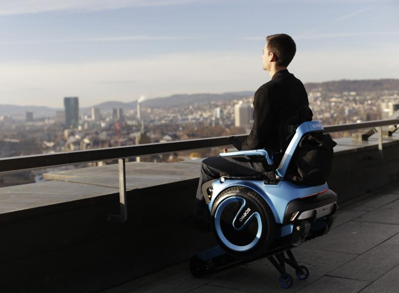 scewo-wheelchair-climb-stairs-designboom-02.jpg