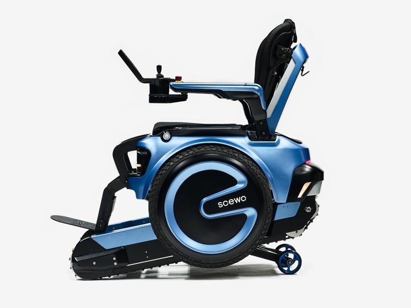 scewo-wheelchair-climb-stairs-designboom-04.jpg