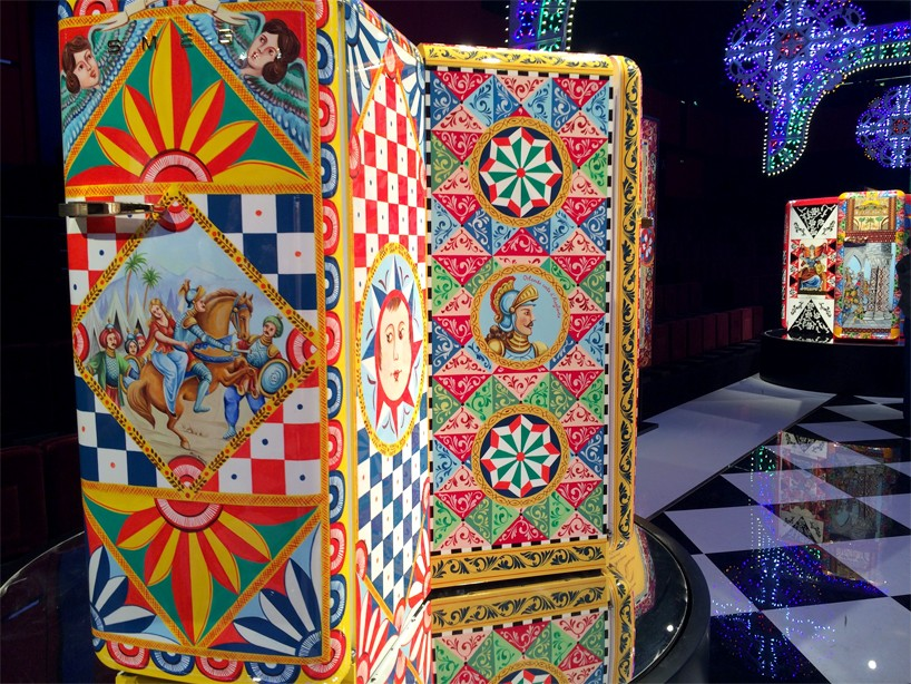 dolce-gabanna-smeg-frigorifero-d-arte-milan-design-week-2016-designboom-011-818x614.jpg