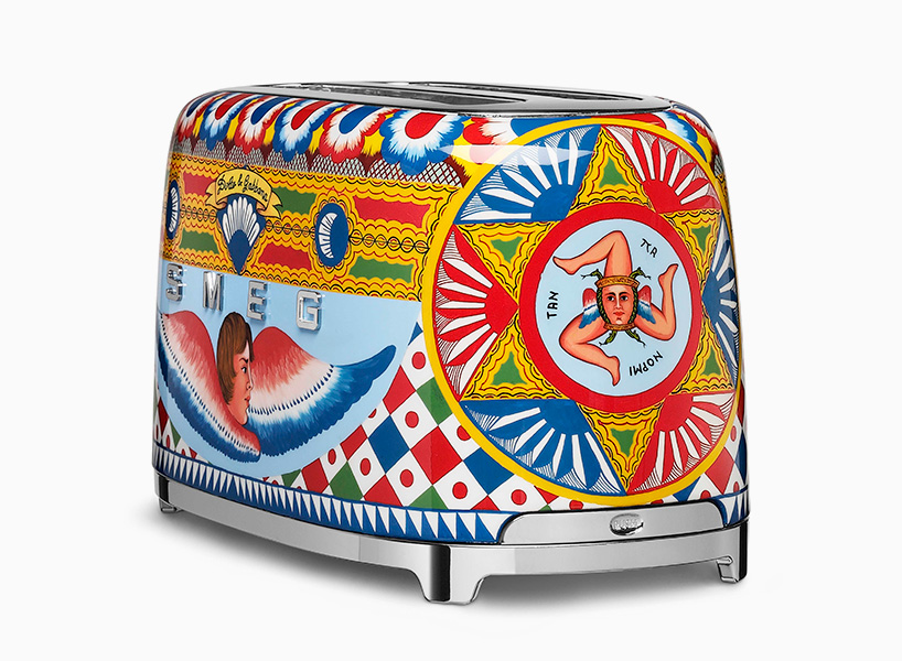 dolce-gabbana-smeg-toaster-juicer-coffee-machine-blenders-milan-design-week-2017-designboom-02.jpg