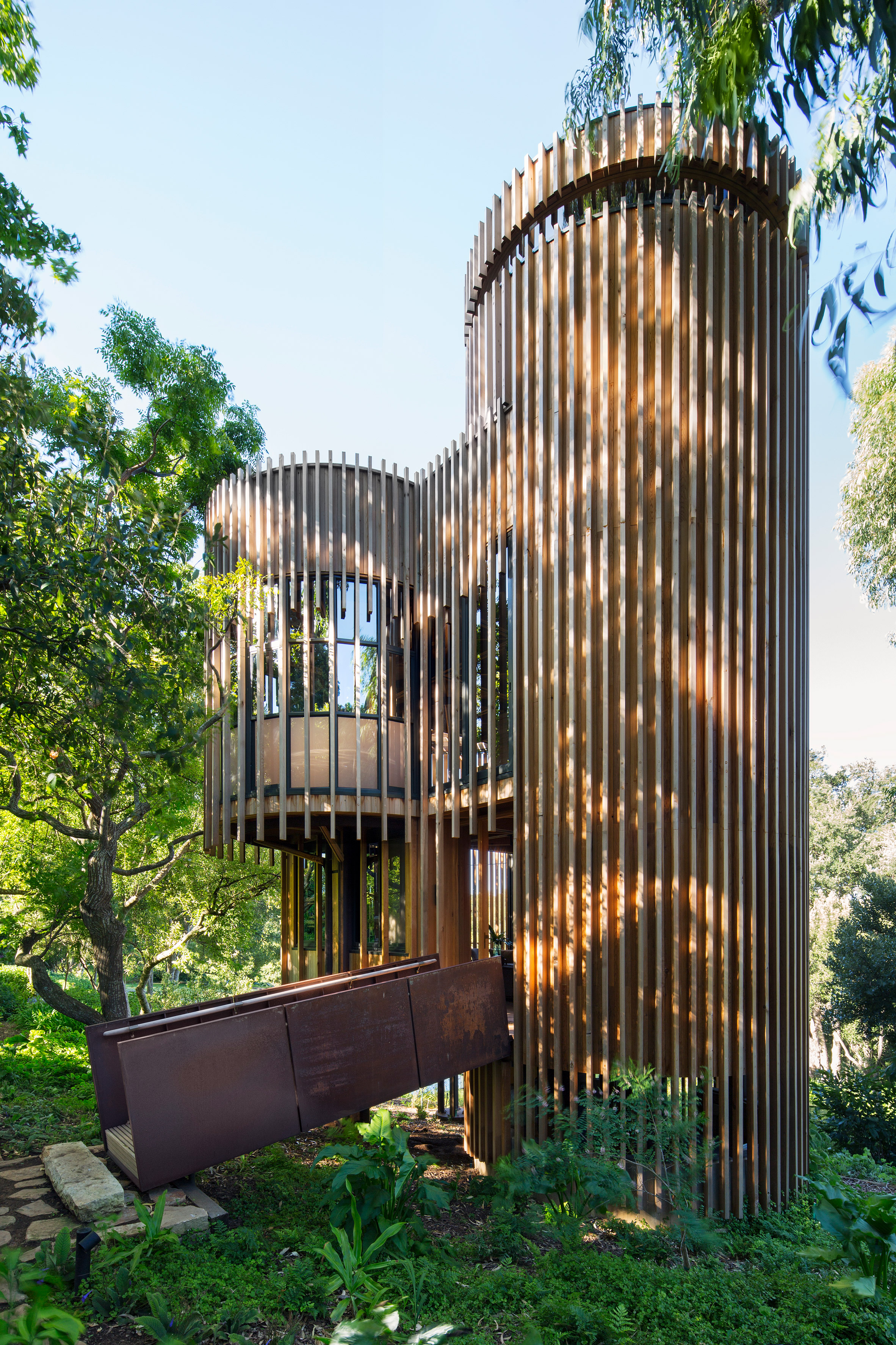 paarman-tree-house-by-mv-architecture-residential_dezeen_2364_col_11.jpg