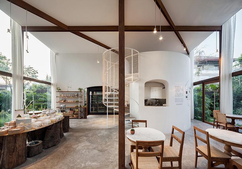 nitaprow-architets-patom-organic-living-bangkok-thailand-restaurant-retail-interior-designboom-09.jpg