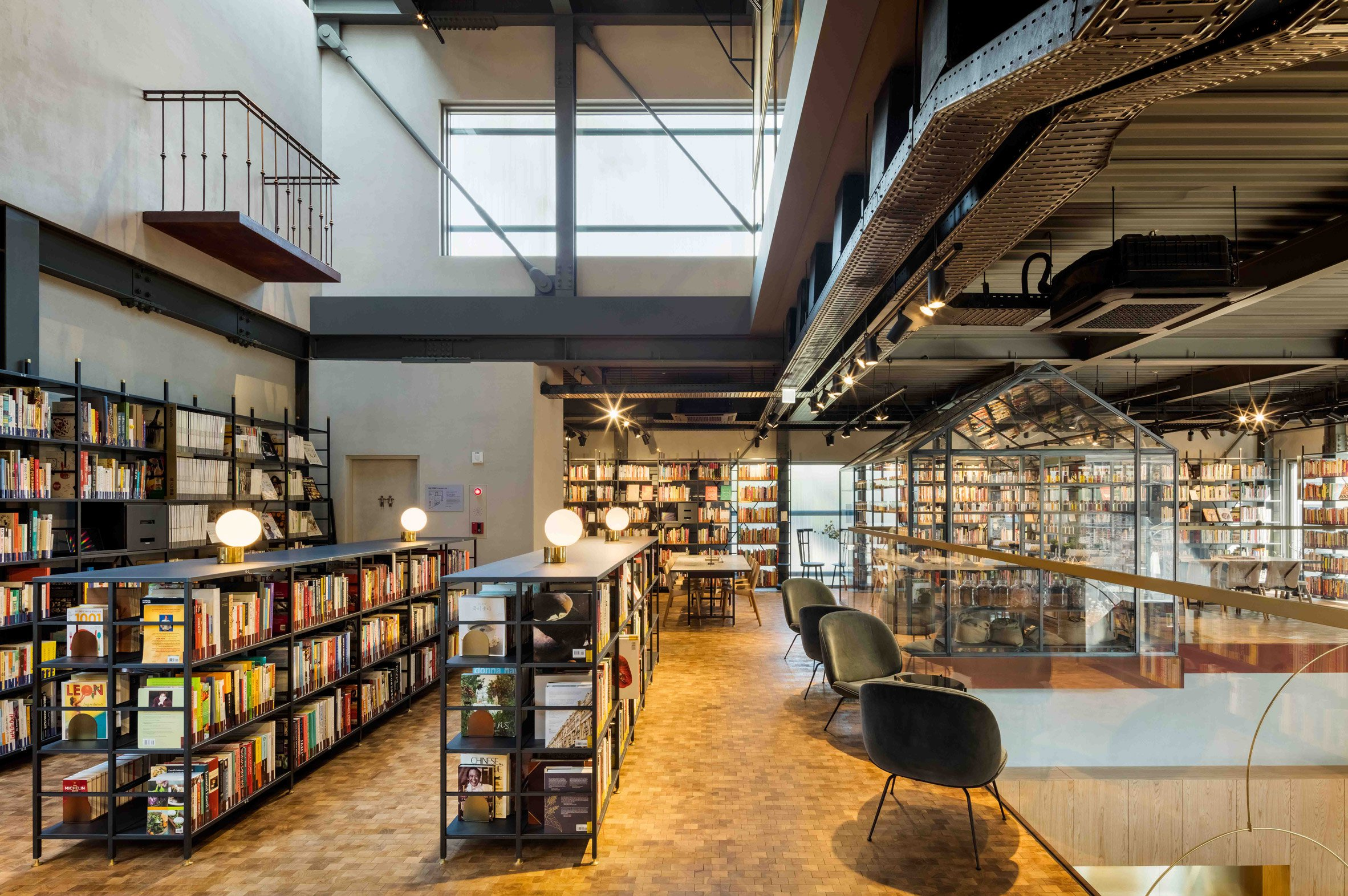 cooking-library-blacksheep-interiors_dezeen_2364_col_10.jpg