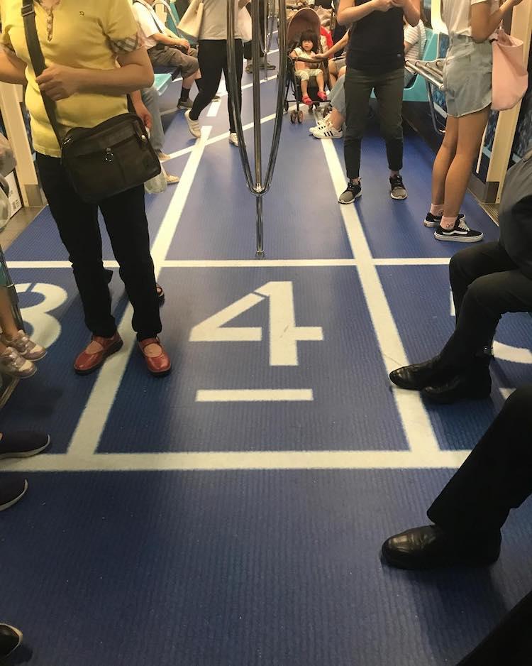 taipei-mrt-transit-advertisement-12.jpg