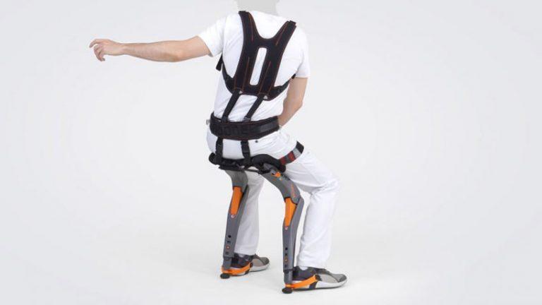 studio-sapetti-chairless-chair-designboom-03-768x432.jpg