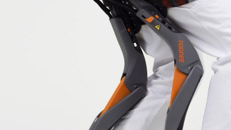 studio-sapetti-chairless-chair-designboom-04-768x432.jpg