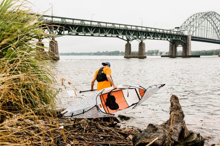 united-by-blue-oru-kayak-designboom02-768x512.jpg