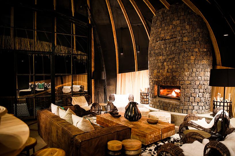 wilderness-safaris-bisate-lodge-volcanoes-national-park-rwanda-designboom-06.jpg
