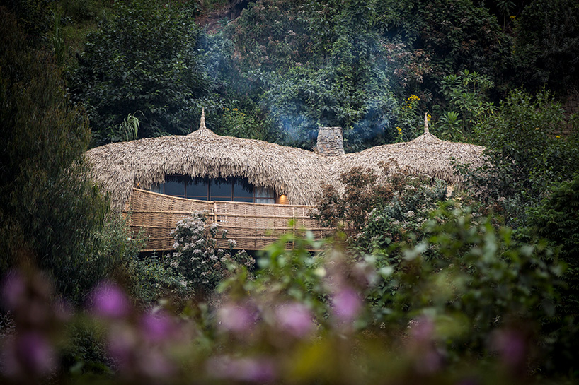 wilderness-safaris-bisate-lodge-volcanoes-national-park-rwanda-designboom-07.jpg