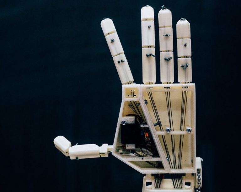sign-language-robot-aslan-project-designboom-001-768x614.jpg