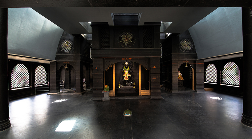 within-n-without-shailesh-devi-maruti-mandir-temple-india-designboom-05.jpg