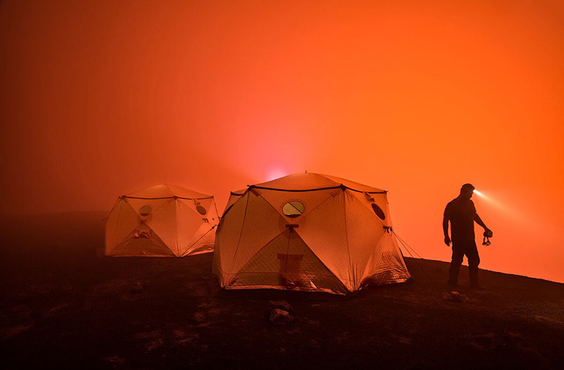 shiftpod-advanced-shelter-system-pop-up-festival-tent-designboom-05.jpg
