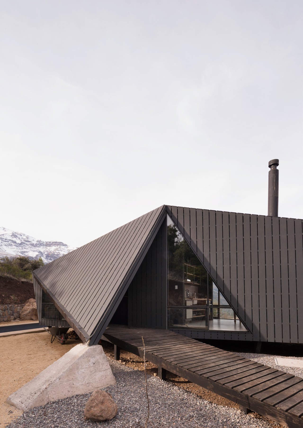 modern_mountain_cabin.jpg