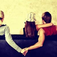 4 jel, hogy a barátodnak szeretője van!