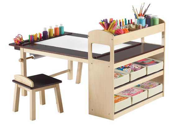 alkot sarok gyerekeknek pomp s napok. Black Bedroom Furniture Sets. Home Design Ideas
