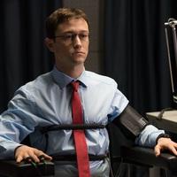 Joseph Gordon-Levitt Oroszországban titokban találkozott Snowdennel