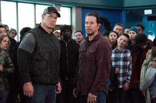 Mark Wahlberg a jóisten bocsánatát kéri