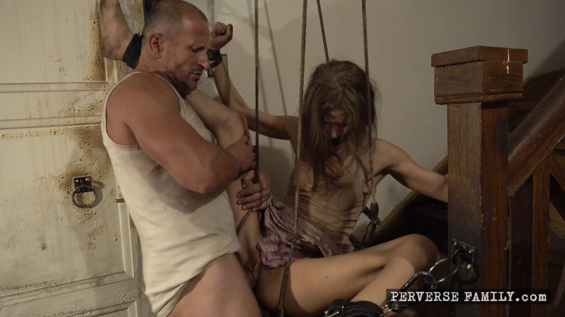 perverse-family-surprise-for-the-family-1920x1080_mp4_20191119_095743_987.jpg