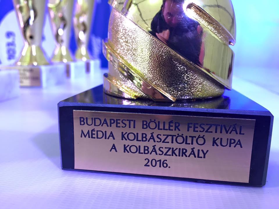 A kupa, amiért 70 újságíró harcolt