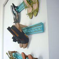 Létra, vízcső, festékes bödön: így tárold a cipőidet!
