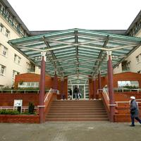 Vasárnap a hozzátartozók takarítanak a Szent Imre Kórházban