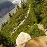 Lenyűgöző videó: Így látni a sas hátáról a világot