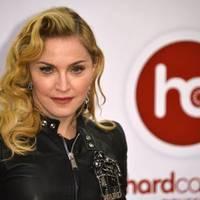 Rémesen széthúzták Madonna arcát