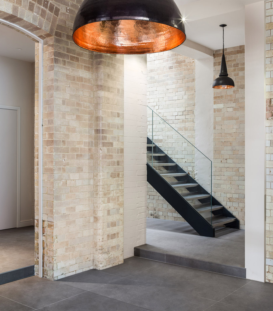 bakery-place_jo-cowen_apartments-renovation-clapham-london-interiors_dezeen_936_34.jpg