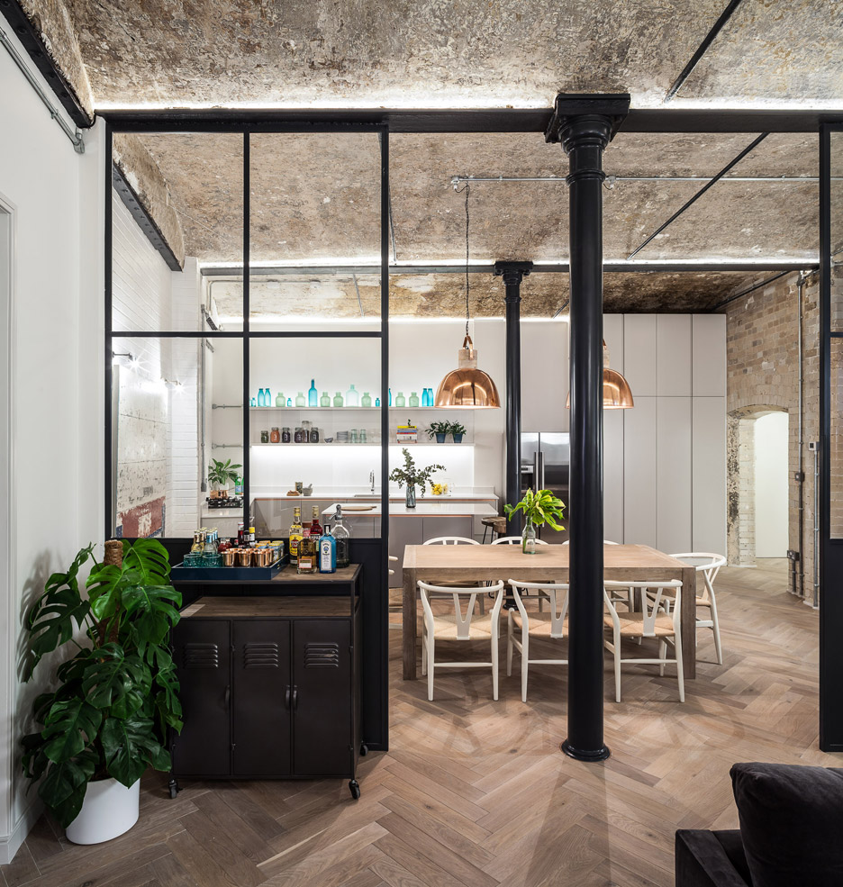 bakery-place_jo-cowen_apartments-renovation-clapham-london-interiors_dezeen_936_5.jpg