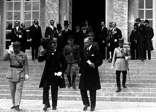 cultura-trianon-alairasa-versailles-1920-06-04.jpg