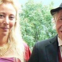 A nő egy idős férfihoz ment feleségül a pénze miatt, amikor a férfi meghal, sokkoló dologra jön rá
