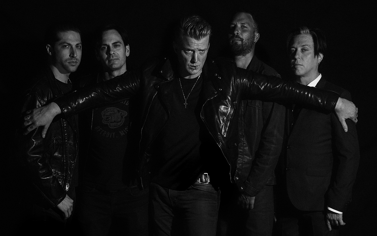 qotsa_promo_photo_credit_andres_neumann.jpg