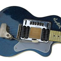 Vedd meg Kurt Cobain gitárját!