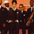Prince-t ünnepli a Veszprémfest zárónapja, Prince kísérőzenekarával, a New Power Generationnel