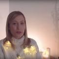 16 mai sztár és maga Révész Sándor szavalja-énekli a Piramis karácsonyi dalát