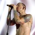 Öngyilkos lett a Linkin Park énekese, Chester Bennington