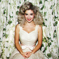 Marina And The Diamonds: Lies + Homewrecker (Acoustic)