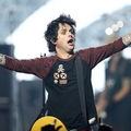 Billie Joe kiakadt a színpadon, elvonóra küldik
