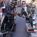 Dizzee Rascal és Robbie Williams egy rokkantmotoros banda élén