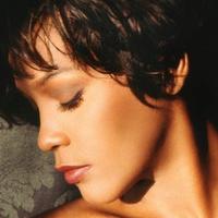 Whitney Houstont gyerekkorában molesztálta 18 évvel idősebb unokanővére